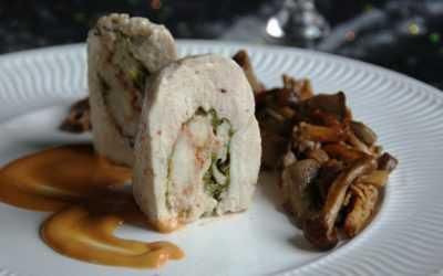 Poulet aux langoustines et sa bisque, poêlée de champignons des bois