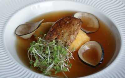 Foie gras poêlé en bouillon de crevettes grises